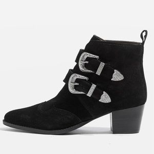 L'Intervalle cowboy pointed leather black booties
